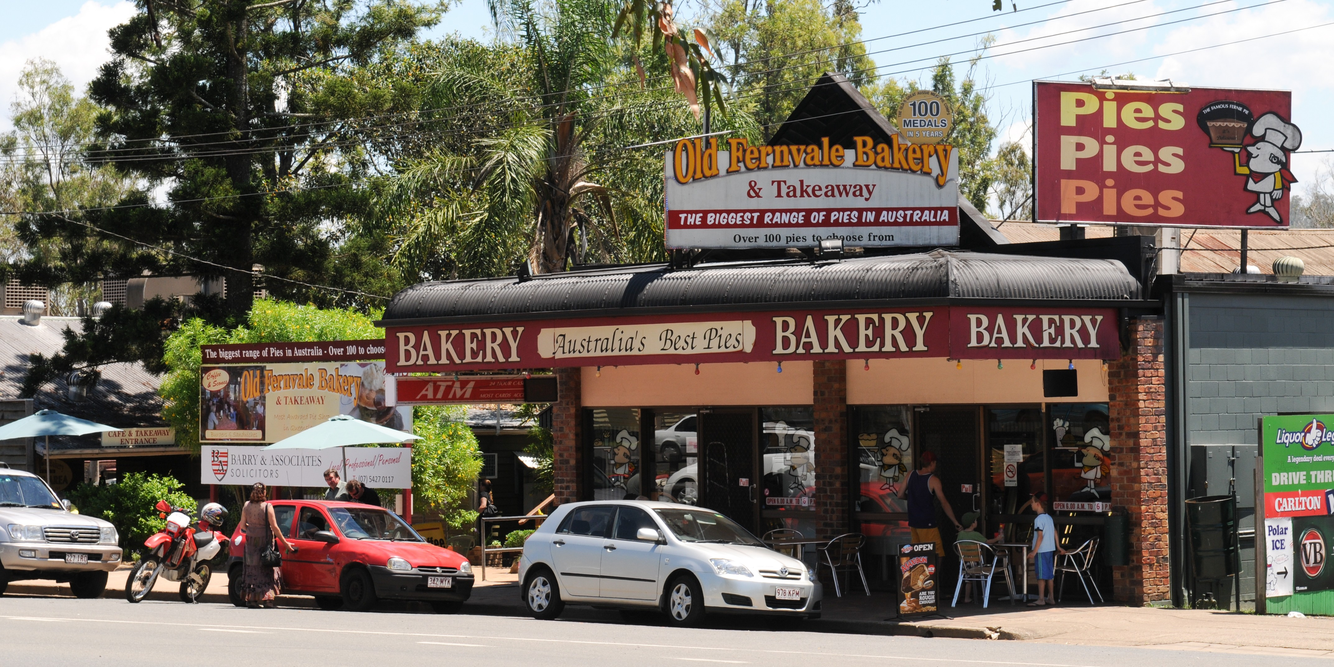 Bakery 10 the old fernvale bakery cafe for Classic house bakery